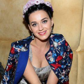 Katy Perry: Ποζάρει με φουσκωμένη κοιλιά, ντυμένη λαγός και είναι ό,τι πιο γλυκό θα δεις σήμερα