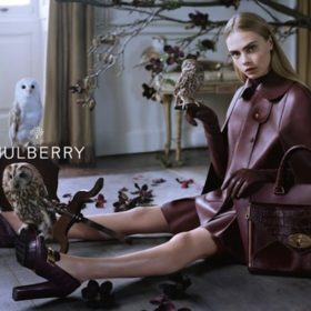H Cara Delevingne για τη Μulberry