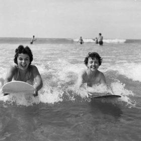 Surf Spray: Το προϊόν που μας πάει παραλία