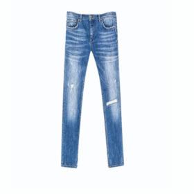 Jeans σε διάφορες αποχρώσεις