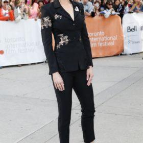 Η Nicole Kidman με blazer Altuzarra