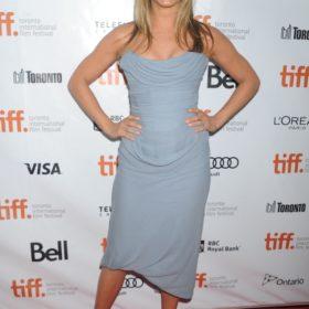 H Jennifer Aniston με Vivienne Westwood