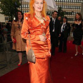 H Vivienne Westwood συνεργάζεται με τη Satchel Company για την επετειακή τους συλλογή