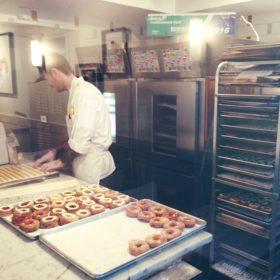 Cronut: Το νέο επιδόρπιο που έχει γίνει μανία