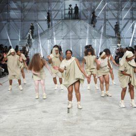 O Rick Owens αντικατέστησε τα μοντέλα με μια ομάδα χορού