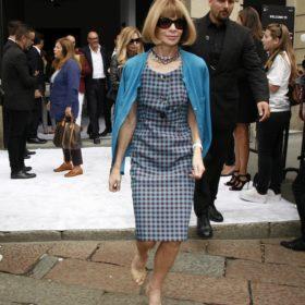 Anna Wintour: Τα παπούτσια που δεν βγάζει η διάσημη κυρία της μόδας από τα πόδια της