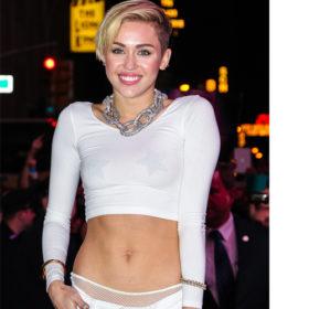 Πως διατηρεί η Miley Cyrus τους τέλειους κοιλιακούς της;