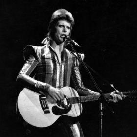 David Bowie: Ο πιο καλοντυμένος Βρετανός όλων των εποχών