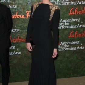 H Charlize Theron με Salvatore Ferragamo
