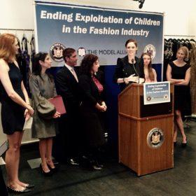 Θεσπίστηκε νέος νόμος που προστατεύει τα ανήλικα μοντέλα