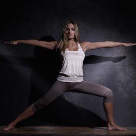 Six packs: Η Ελένη Πετρουλάκη μας δείχνει την τέλεια άσκηση για επίπεδη κοιλιά