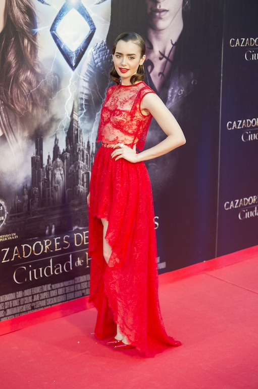 lady-in-red-3
