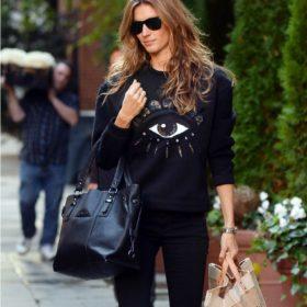 Η Gisele Bundchen casual chic στη Νέα Υόρκη