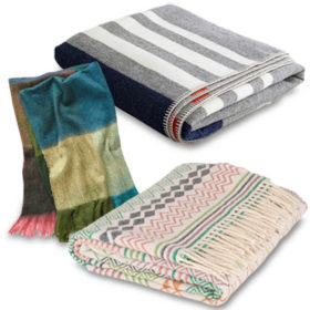 Throws: Οι κουβέρτες καναπέ που θα σας ζεστάνουν τον χειμώνα