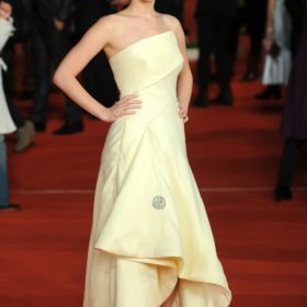 H Jennifer Lawrence με Christian Dior Couture