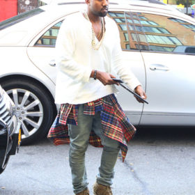 Kanye West: Γιατί είπε σε θαυμαστή του ότι τα sneakers του δεν είναι αυθεντικά;