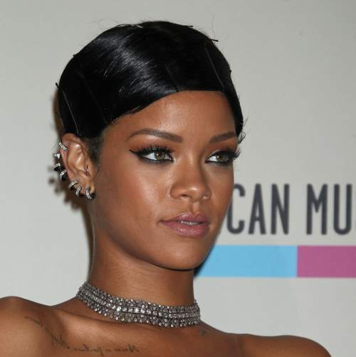 the-excellent-2-rihanna