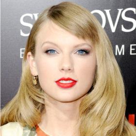 «Σκάσε και να είσαι καλό κορίτσι» – Το tweet της Taylor Swift για τη διαφωνία με τους πρώην μάνατζέρ της που έγινε viral στα social media