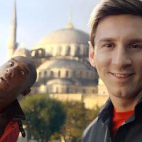 O Lionel Messi «παλεύει» με τον Kobe Bryant για την καλύτερη selfie