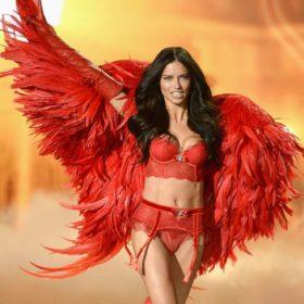 Πώς διατηρούνται τα σώματα των αγγέλων της Victoria's Secret