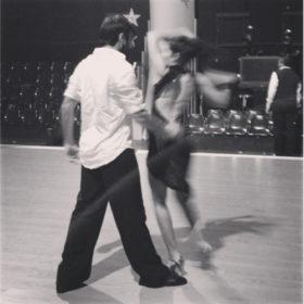 Ποιο μυστηριώδες ζευγάρι κάνει πρόβα τη χορογραφία του για το DWTS4;