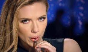 Scarlett Johansson: Η εκρηκτική ηθοποιός και η απαγορευμένη διαφήμιση αναψυκτικού