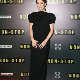H Julianne Moore με Balenciaga