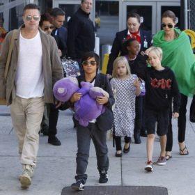 Brad Pitt – Angelina Jolie: Ταξίδι επιστροφής με τα παιδιά τους