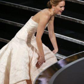 Jennifer Lawrence: Τι ζητάει από τους σχεδιαστές η Miss Dior για τα φετινά Oscar;