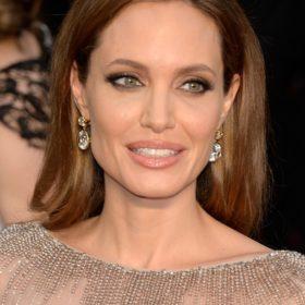 Angelina Jolie: Διατηρεί φιλικές σχέσεις με τον πρώην της