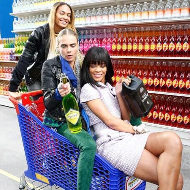 when-stars-go-shopping