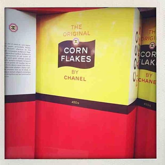 corn-flakes-chanel