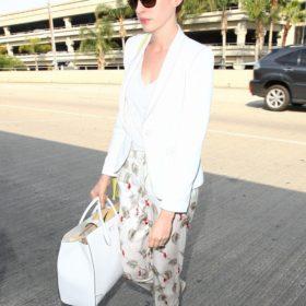 Η Anne Hathaway με Gucci