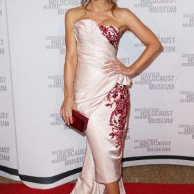 Η Kate Beckinsale με Marchesa