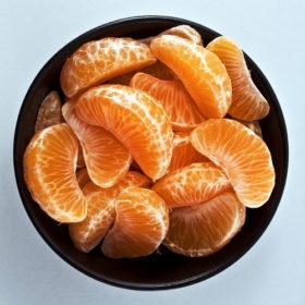 Kαι όμως! Το πορτοκάλι μπορεί να προκαλέσει ξεφλούδισμα στα χείλη