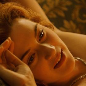 Kate Winslet: Η γυμνή σκηνή του Τιτανικού τη στοιχειώνει ακόμα