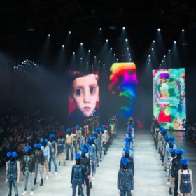Diesel: Δείτε όλους τους διάσημους καλεσμένους από το fashion show στη Βενετία