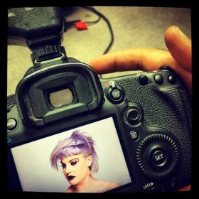 Τι έκανε πάλι η Kelly Osbourne στα μαλλιά της;