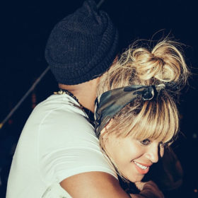 Beyoncé και Jay Z: Αγκαλιασμένοι στο Φεστιβάλ Coachella