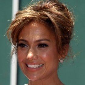 Φτιάξτε καμπύλες σαν της Jennifer Lopez