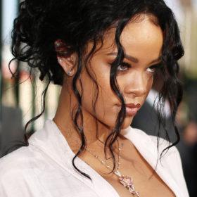 Η Rihanna σχολιάζει τον Ντόναλντ Τραμπ με τον πιο αιχμηρό τρόπο