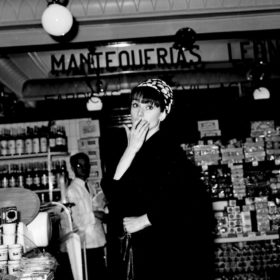 Style Icon: 21 πράγματα που μας έμαθε το αψεγάδιαστο στιλ της Audrey Hepburn