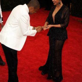 Jay Z: Γιατί ζήτησε και πάλι το χέρι της Beyoncé;
