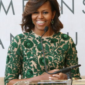 Η Michelle Obama εγκαινιάζει το Anna Wintour Costume Design Center