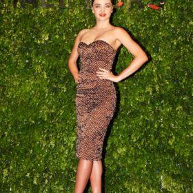 Miranda Kerr: Το super model κάνει διακοπές στην Κύπρο