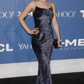 Η Jennifer Lawrence επιστρέφει στα '90s