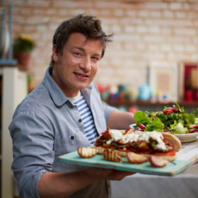 Jamie Oliver: Μούχλα, περιττώματα, ληγμένα κρέατα και ποντίκια στο μαγαζί του διάσημου σεφ