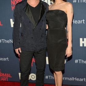 Angelina Jolie: «Ο γάμος μου θα είναι ή παραμυθένιος ή αγώνας paintball»