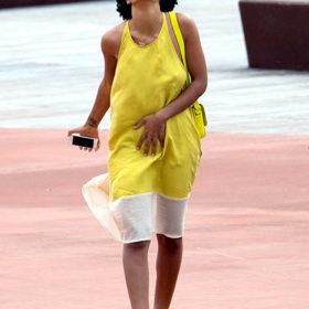 Γιατί γελάει η Solange στην πρώτη της επίσημη εμφάνιση μετά τον καυγά με τον Jay Z;