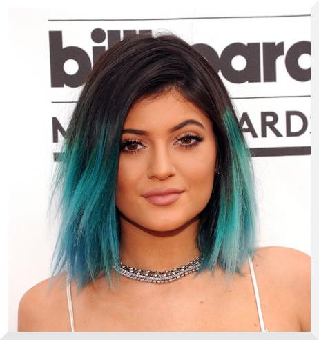 kylie-jenner-billboard-awards-blue-turquoise-hair-w540